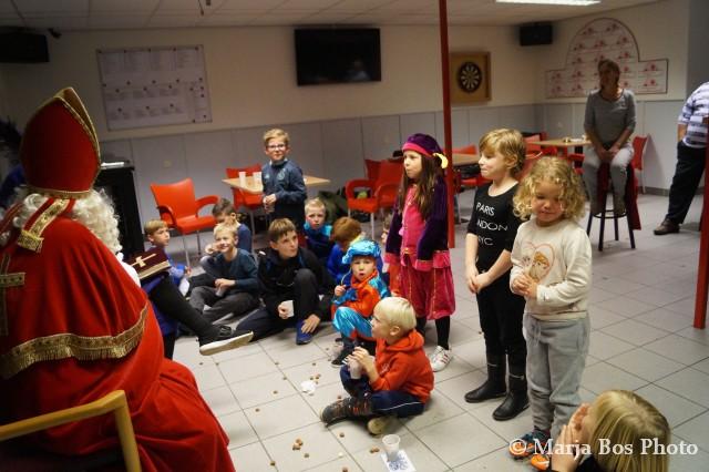 Sinterklaas bezoekt VV Spui